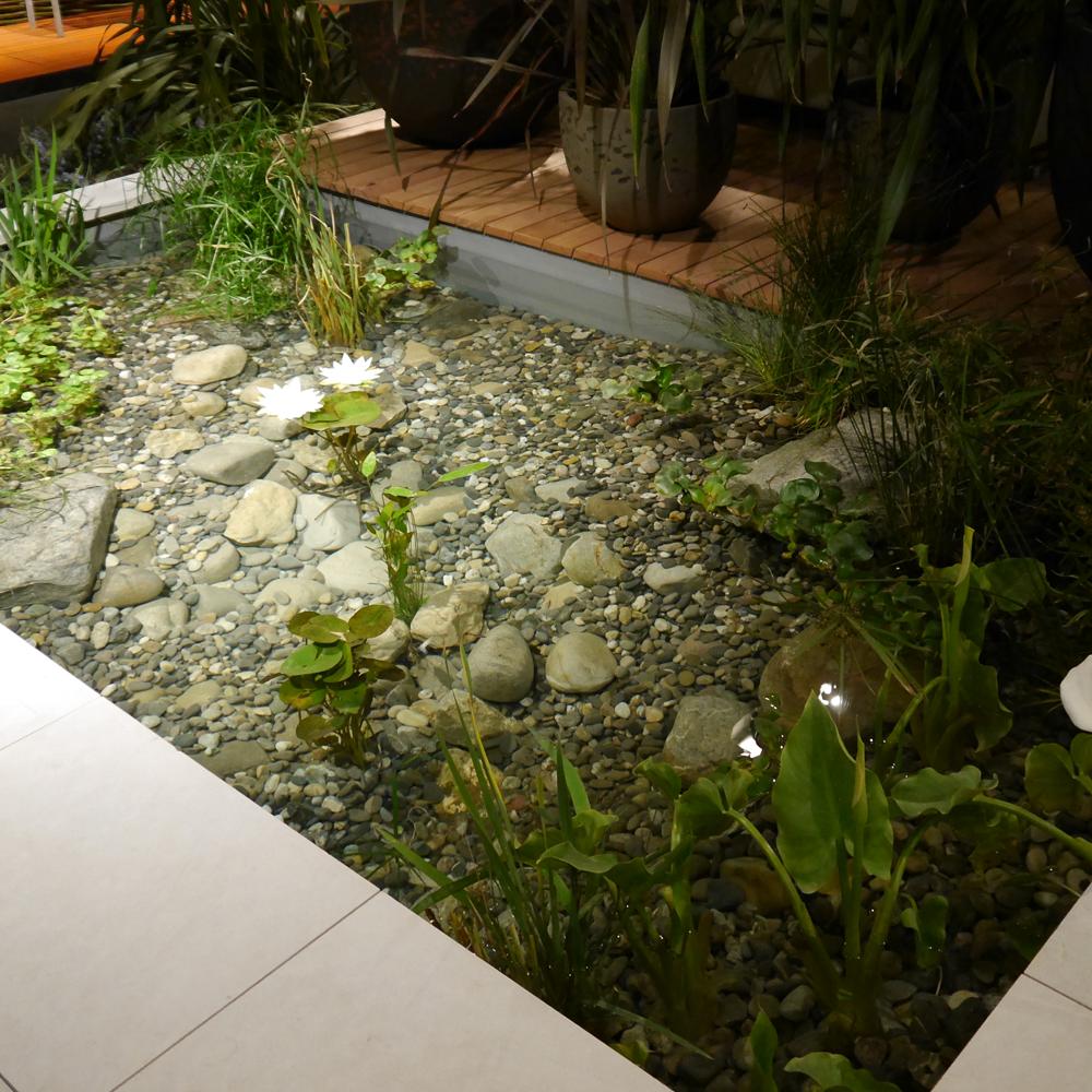 Formales Wasser-Becken