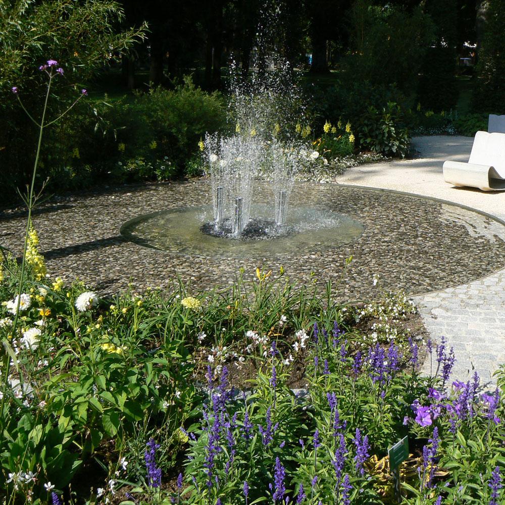Springbrunnen und Wasserspiele - Entspannung und Gartenspaß 1