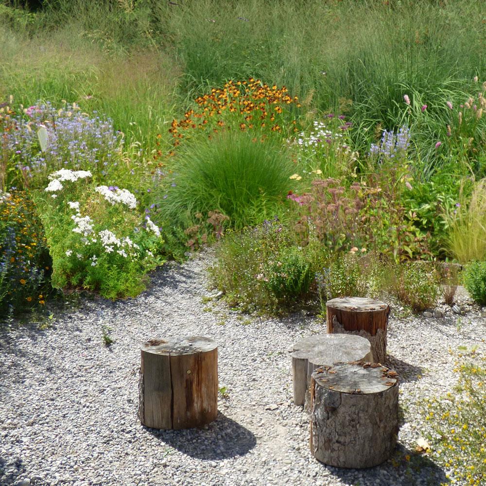 Gartengestaltung modern und pflegeleicht und naturnah 11