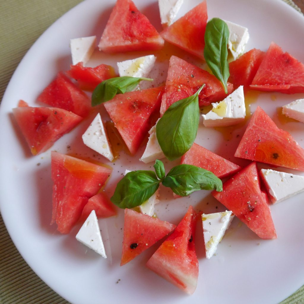 Wassermelone mit Feta und Pfeffer